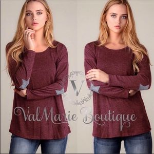 Burgundy red star patch long sleeve top